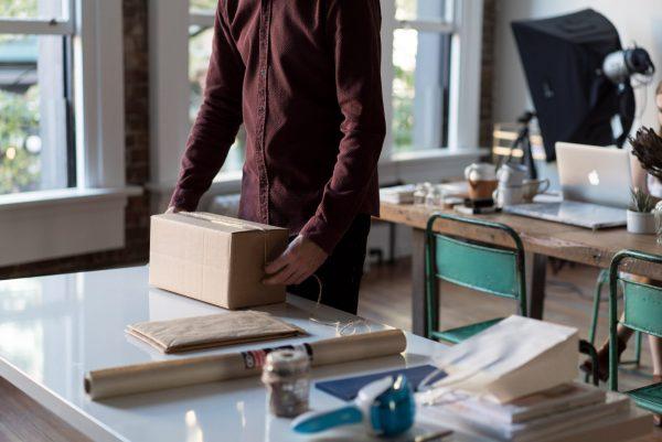 쇼핑몰 포장박스: 나쁜 패키지 디자인이 사업에 끼치는 악영향과 이를 피할 3가지 방법